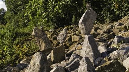 ZEN oder die Kunst der Steinbalance